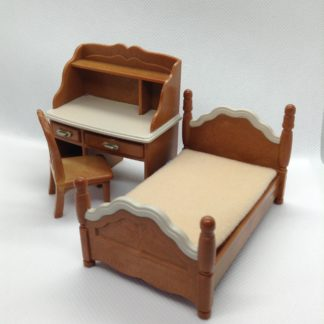Sylvanian Families bed, desk & chair